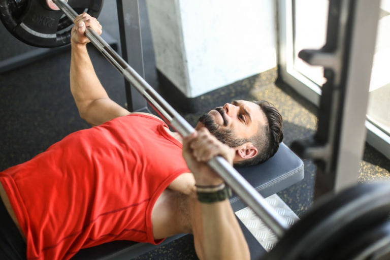 Get Best Shape With These Bench Press Workouts